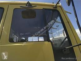 Części zamienne do pojazdów ciężarowych Volvo Vitre latérale LUNA PUERTA DELANTERO DERECHA FS 718 Intercooler 230/169 KW FG pour camion FS 718 Intercooler 230/169 KW FG 4000 / 18.0 / E1 / 4X2 [6,7 Ltr. - 169 kW Diesel] używana