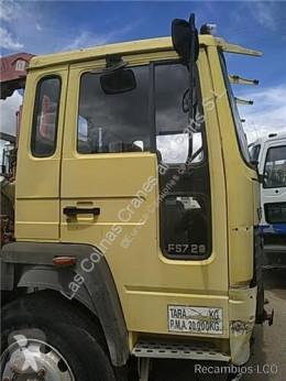 Repuestos para camiones Volvo Porte Puerta Delantera Derecha FS 718 Intercooler 230/169 KW FG pour camion FS 718 Intercooler 230/169 KW FG 4000 / 18.0 / E1 / 4X2 [6,7 Ltr. - 169 kW Diesel] usado