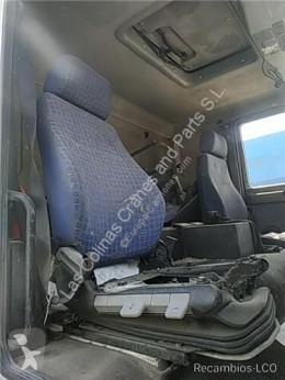 Repuestos para camiones MAN Siège Asiento Delantero Derecho L 2000 9.225 LLS, LLRS (LE220C) pour camion L 2000 9.225 LLS, LLRS (LE220C) cabina / Carrocería usado
