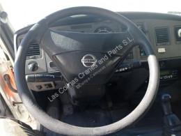 Pièces détachées PL Nissan Atleon Volant Volante 56.13 pour camion 56.13 occasion