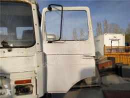 Pièces détachées PL Renault Porte Puerta Delantera Izquierda Midliner S 150.09TI pour camion Midliner S 150.09TI occasion