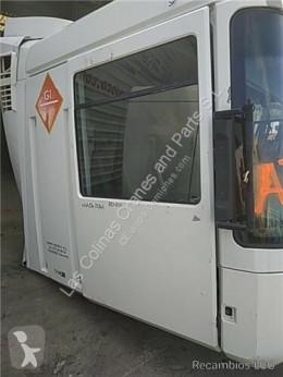 قطع غيار الآليات الثقيلة Renault Magnum Porte Puerta Delantera Derecha DXi 13 500.18 T pour tracteur routier DXi 13 500.18 T مستعمل
