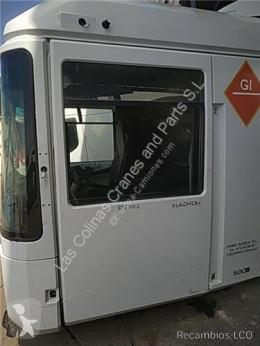 Teherautó-alkatrészek Renault Magnum Porte Puerta Delantera Izquierda DXi 13 500.18 T pour camion DXi 13 500.18 T használt