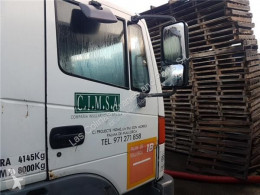 Pièces détachées PL Nissan Atleon Vitre latérale LUNA PUERTA DELANTERO DERECHA 140.75 pour camion 140.75 occasion
