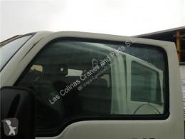 Ricambio per autocarri Nissan Cabstar Vitre latérale LUNA PUERTA DELANTERO IZQUIERDA E 120.35 pour camion E 120.35 usato