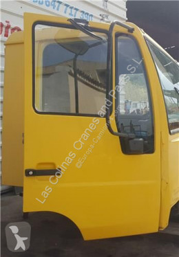 Резервни части за тежкотоварни превозни средства MAN Porte Puerta Delantera Derecha L2000 8.103-8.224 EUROI/II Chasis pour camion L2000 8.103-8.224 EUROI/II Chasis 8.153 F/LC E 1 [4,6 Ltr. - 114 kW Diesel] втора употреба