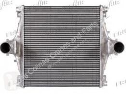 Refroidissement Iveco Eurotech Refroidisseur intermédiaire Intercooler (MP) FSA (440 E 43) pour camion (MP) FSA (440 E 43) [10,3 Ltr. - 316 kW Diesel]