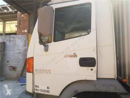 Części zamienne do pojazdów ciężarowych Nissan Atleon Vitre latérale LUNA PUERTA DELANTERO IZQUIERDA 165.75 pour camion 165.75 używana
