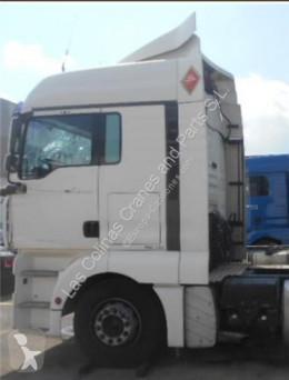 Pièces détachées PL MAN TGA Aileron SPOILER LATERAL IZQUIERDO 18.480 FHLC pour camion 18.480 FHLC occasion