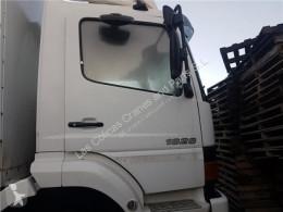 Repuestos para camiones Porte Puerta Delantera Derecha Mercedes-Benz ATEGO 1828 LS pour camion MERCEDES-BENZ ATEGO 1828 LS usado