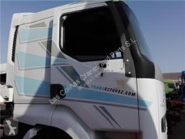 Renault Premium Porte Puerta Delantera Derecha Distribution 420.18 pour camion Distribution 420.18 truck part used