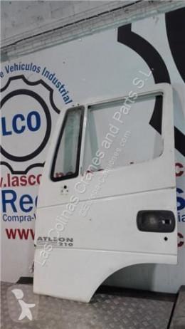 Vrachtwagenonderdelen Nissan Atleon Porte Puerta Delantera Izquierda 210 pour camion 210 tweedehands