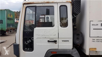 Vrachtwagenonderdelen Volvo FL Porte Puerta Delantera Izquierda 6 611 pour camion 6 611 tweedehands