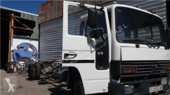 Repuestos para camiones Volvo FL Porte Puerta Delantera Derecha 6 611 pour camion 6 611 usado