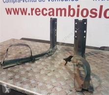 Ricambio per autocarri Nissan Cabstar Fixations Soporte Delantero Deposito Combustible 35.13 pour camion 35.13 usato