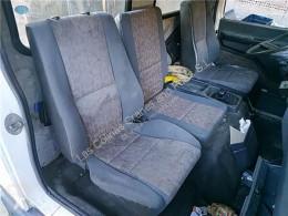 Repuestos para camiones Nissan Eco Siège Asiento Delantero Derecho - T 160.75/117 KW/E2 Chasis pour camion - T 160.75/117 KW/E2 Chasis / 3230 / 7.49 [6,0 Ltr. - 117 kW Diesel] cabina / Carrocería usado