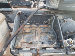 Repuestos para camiones OM Boîtier de batterie Soporte Baterias Mercedes-Benz Actros 2-Ejes 6-cil. Serie/BM 20 pour camion MERCEDES-BENZ Actros 2-Ejes 6-cil. Serie/BM 2040 (4X4) 501 LA [12,0 Ltr. - 290 kW V6 Diesel ( 501 LA)] usado