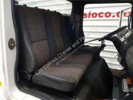 Repuestos para camiones Nissan Eco Siège Asiento Delantero Derecho - T 135.60/100 KW/E2 Chasis pour camion - T 135.60/100 KW/E2 Chasis / 3200 / 6.0 [4,0 Ltr. - 100 kW Diesel] cabina / Carrocería usado