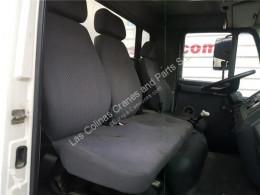 Repuestos para camiones cabina / Carrocería MAN LC Siège Asiento Delantero Derecho L2000 8.103-8.224 EUROI/II Chasis pour camion L2000 8.103-8.224 EUROI/II Chasis 8.163 F / E 2 [4,6 Ltr. - 114 kW Diesel]