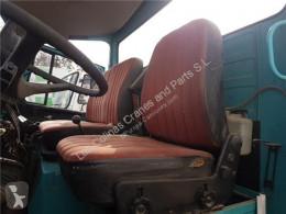 OM Siège Asiento Delantero Izquierdo Mercedes-Benz LP Serie / BM 314/31 pour camion MERCEDES-BENZ LP Serie / BM 314/316/318 FG 813 352 [5,7 Ltr. - 96 kW Diesel ( 352 X/1)] cabine / Carroçaria usado