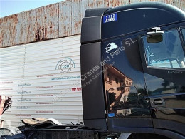 Repuestos para camiones Iveco Stralis Aileron Spoiler Lateral AD 440S45, AT 440S45 pour camion AD 440S45, AT 440S45 usado