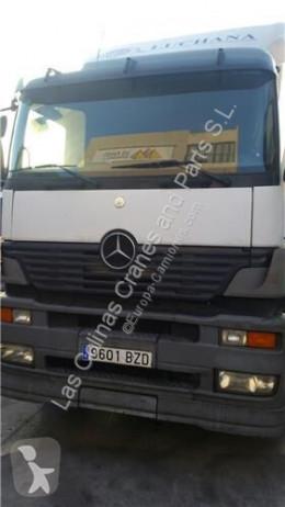 Repuestos para camiones OM Pare-chocs Paragolpes Delantero Mercedes-Benz Axor 2 - Ejes Serie / BM 94 pour camion MERCEDES-BENZ Axor 2 - Ejes Serie / BM 944 1843 4X2 457 LA [12,0 Ltr. - 315 kW R6 Diesel ( 457 LA)] usado