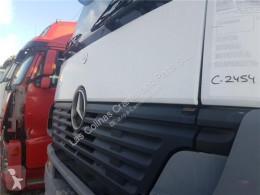 Piese de caroserie OM Calandre Calandra Capo Mercedes-Benz Axor 2 - Ejes Serie / BM 944 1843 pour tracteur routier MERCEDES-BENZ Axor 2 - Ejes Serie / BM 944 1843 4X2 457 LA [12,0 Ltr. - 315 kW R6 Diesel ( 457 LA)]