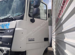 Repuestos para camiones DAF Porte Puerta Delantera Izquierda XF 105 FA 105.510 pour tracteur routier XF 105 FA 105.510 usado