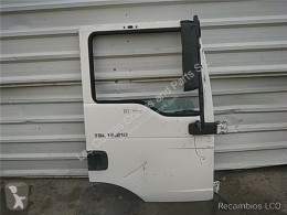 Pièces détachées PL MAN Porte Puerta Delantera Derecha TG - L 12.XXX 12.210 Chasis [4, pour camion TG - L 12.XXX 12.210 Chasis [4,6 Ltr. - 151 kW Diesel] occasion