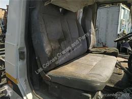 Nissan Trade Siège Asiento Delantero Derecho 2.8 Diesel pour camion 2.8 Diesel tweedehands cabine/carrosserie