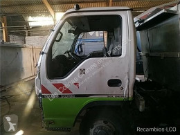Repuestos para camiones Isuzu Porte Puerta Delantera Izquierda N-Serie Fg 3,5t [3,0 Ltr. - 11 pour camion N-Serie Fg 3,5t [3,0 Ltr. - 110 kW Diesel] usado