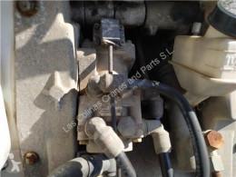 Peças pesados Iveco Eurocargo Maître-cylindre de frein Bomba De Freno Chasis (Typ 75 E 15) [5,9 Ltr pour camion Chasis (Typ 75 E 15) [5,9 Ltr. - 105 kW Diesel] usado