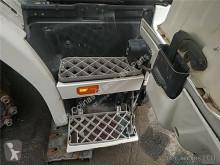 Pièces détachées PL Scania Marchepied Estribo Puerta Derecha Serie 4 (P/R 124 C)(1996->) FG pour tracteur routier Serie 4 (P/R 124 C)(1996->) FG 420 (4X2) E3 [11,7 Ltr. - 309 kW Diesel] occasion
