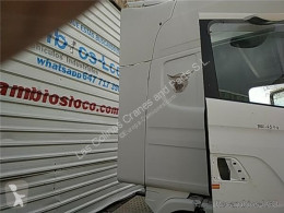 Peças pesados Scania Aileron SPOILER LATERAL DERECHO Serie 4 (P/R 124 C)(1996->) FG pour camion Serie 4 (P/R 124 C)(1996->) FG 420 (4X2) E3 [11,7 Ltr. - 309 kW Diesel] usado