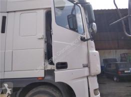 DAF Porte Puerta Delantera Derecha XF 105 FA 105.460 pour tracteur routier XF 105 FA 105.460 truck part used