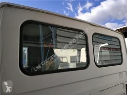 Reservdelar lastbilar Nissan Atleon Lunette arrière LUNA Trasera 210 pour camion 210 begagnad