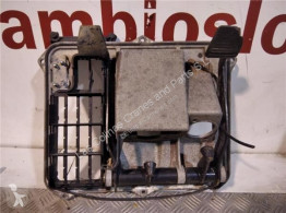 Ricambio per autocarri MAN Pédale d'embrayage Juego Pedales Completo F 90 19.272 Chasis Batalla 4500 P pour camion F 90 19.272 Chasis Batalla 4500 PMA18 [10,0 Ltr. - 198 kW Diesel] usato