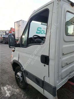 Części zamienne do pojazdów ciężarowych Iveco Daily Porte Puerta Delantera Izquierda II 50 C 15 pour camion II 50 C 15 używana