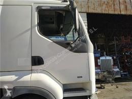 Pièces détachées PL Renault Premium Porte Puerta Delantera Derecha Distribution 340.18D pour tracteur routier Distribution 340.18D occasion