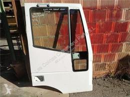 依维柯重型卡车零部件 Porte Puerta Delantera Derecha EuroTrakker (MP) FK pour camion EuroTrakker (MP) FKI 260 E 31 [7,8 Ltr. - 228 kW Diesel] 二手