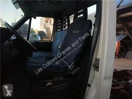 Iveco Daily Siège Asiento Delantero Izquierdo II 50 C 15 pour camion II 50 C 15 kabine / karrosseri brugt