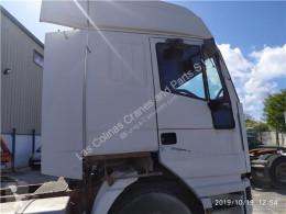 Repuestos para camiones Iveco Eurostar Aileron Spoiler Lateral (LD) LD440E46T pour tracteur routier (LD) LD440E46T usado