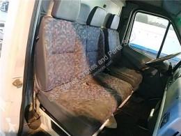Siège Asiento Delantero Derecho Mercedes-Benz SPRINTER 4-t Furgón (904 pour camion MERCEDES-BENZ SPRINTER 4-t Furgón (904) 412 D kabina / Karoseria używany