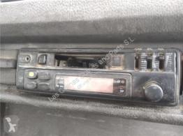 Reservedele til lastbil Autoradio Radio / Cd Mercedes-Benz CLASE G (W461) 290 GD/G 290 D (461.337, pour camion MERCEDES-BENZ CLASE G (W461) 290 GD/G 290 D (461.337, 461.338) brugt