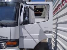 Repuestos para camiones Porte Puerta Delantera Izquierda Mercedes-Benz ATEGO 923,923 L pour camion MERCEDES-BENZ ATEGO 923,923 L usado