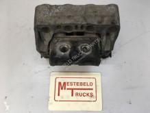 Części zamienne do pojazdów ciężarowych Mercedes Motorsteun rechtsvoor używana