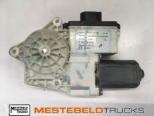 Repuestos para camiones MAN Elektromotor raammechanisme rechts usado