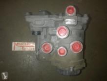 Резервни части за тежкотоварни превозни средства Mercedes Aanhangwagenstuurventiel втора употреба