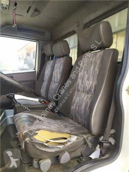 Nissan Atleon Siège Asiento Delantero Izquierdo pour camion 110.35, 120.35 cabine / carrosserie occasion