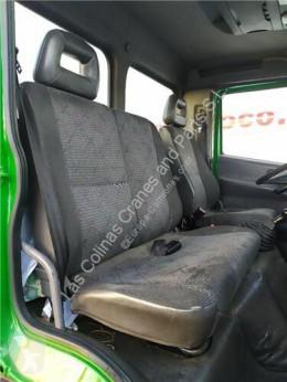 Repuestos para camiones Nissan Atleon Siège pour camion 140.75 cabina / Carrocería usado